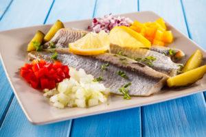 Cholesterin natürlich senken durch Fisch essen